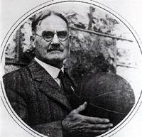 James Naismith. Inventor del Baloncesto. Primeras reglas originales.